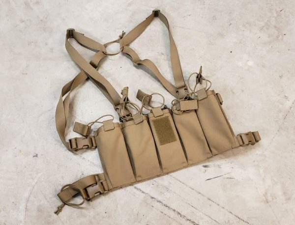 Circle 10 AK 5 Cell Chest Rig