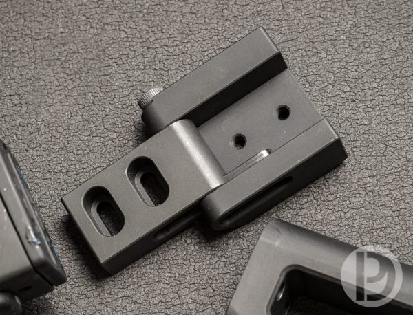 Circle 10 AK Push Button 2-Bolt Folding Stock Hinge